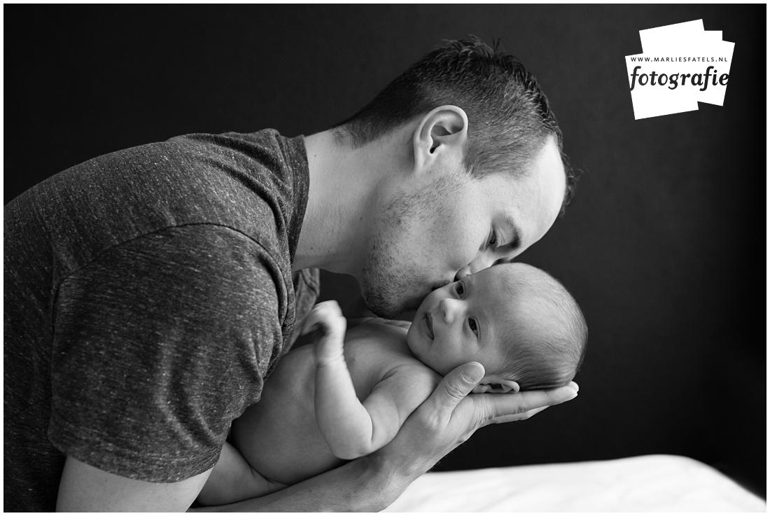 Newborn-fotografie-baby-fotograaf-Castricum-Fatels-25